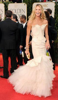 elle macpherson wearing zac posen, golden globes 2012