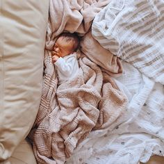 My teeny tiny baby and a bunch of blankets, loving life AWWWWWWWWWWWWW Y/N did you have to post this right now, you've distracted Calum for the entire day Cute Little Baby, Cute Baby Girl, Cute Babies, Baby Outfits, Baby Blond, Baby Co, Dream Baby, Wishes For Baby, Cute Baby Pictures