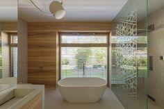 Windows and doors Bathroom Goals, Bathroom Inspo, Interiordesign, Windows And Doors, Innovation, Bathtub, Relax, Inspiration, Windows
