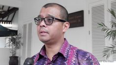 Presiden Joko Widodo telah melantik Andi Widjajanto sebagai Sekretaris Kabinet, melengkapi susunan Kabinet Kerja yang telah dilantiknya terlebih dahulu.