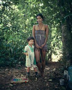 FREERANGE MOTHER & DAUGHTER: Rainbow Gathering - pictures by Benoit Paillé