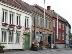 I used to live here, in Bakklandet - Trondheim, Norway. Such a charming place