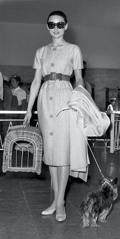 New Style Audrey Hepburn Hollywood Ideas Golden Age Of Hollywood, Old Hollywood, Hollywood Style, New Look Dior, Estilo Gamine, Style Audrey Hepburn, Aubrey Hepburn, Audrey Hepburn Givenchy, Estilo Lady Like