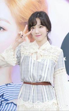 snsd taeyeon girls generation kpop fashion girls
