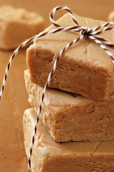 Super Easy Microwave Peanut Butter Fudge Recipe