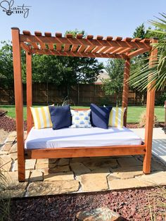 22 Easy DIY Outdoor Projects to Make Your Backyard Awesome Diy Garden Furniture, Diy Outdoor Furniture, Outdoor Decor, Furniture Ideas, Barbie Furniture, Furniture Design, Furniture Redo, Repurposed Furniture, Wooden Furniture