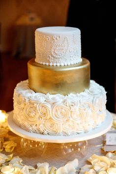 Gold Wedding Cakes Rosette, Gold and Paisley Wedding Cake - Wedding Cake Photos, Cool Wedding Cakes, Wedding Images, Paisley Wedding Cakes, 50th Wedding Anniversary Cakes, Golden Anniversary Cake, Parents Anniversary, Anniversary Ideas, Gold Cake