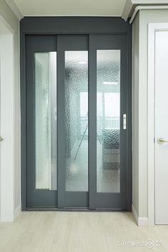 Sliding Door Design, Sliding Doors, Interior Door Styles, Interior Design, Space Interiors, Windows And Doors, Interior Architecture, House Plans, Home Decor