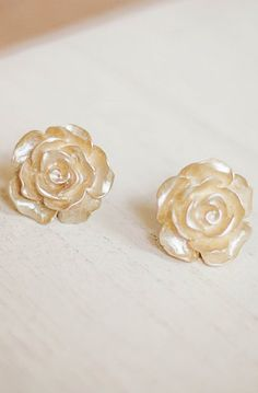 Lovely Clusters - Beautiful Shops: Gold Rose Earrings