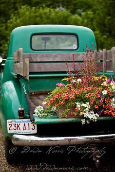Genial Flowers In A Pick Up Truck
