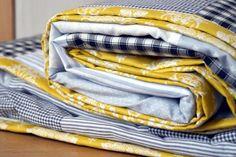 Patchwork Decke zum Kuscheln und als Tagesdecke   Patchwork Decke für ein gemütliches zuhause: Die gesteppte Patchwork Decke aus Westfalenstoff eignet sich prima als Tagesdecke und als...