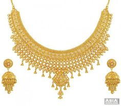 necklace sets in gold with price - Google Search Kids Gold Jewellery, Indian Jewelry Earrings, Gold Jewellery Design, Bridal Jewelry, Gold Jewelry, Gold Costume Jewelry, Gold Bangles Design, Or Mat, Necklace Set
