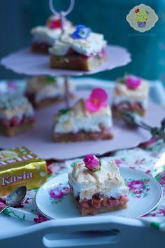 kruche z rabarbarem i bezą Chutney, Pudding, Cake, Food, Food Cakes, Eten, Chutneys, Puddings, Cakes