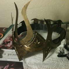 Fantasy Crown - Instructables. Step by step instructions on how to make an easy & cheap elven crown! http://www.pinterest.com/kasiakowalczyk/ren-fest/