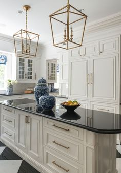 pretty kitchen // those light fixtures!