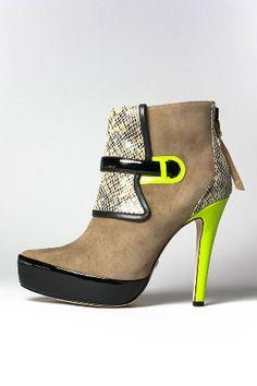 Optimum: Designer Boots - Beyond the Rack