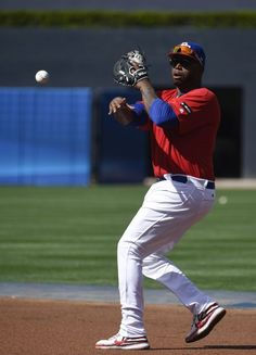 Kennys Vargas #20 of Puerto Rico warms up during batting practice before the World Baseball Classic Pool F game one between the Dominican Republic and Puerto Rico at PETCO Park on March 14, 2017 in San Diego, California.
