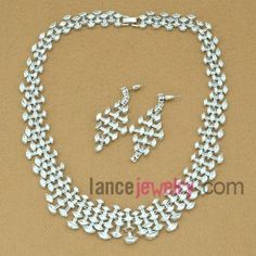 Fashion white color zirconia beads decorated necklace and earrings set
