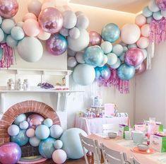 Bright blue and purple ballon installation. via – BALLONS Balloon Backdrop, Balloon Wall, Balloon Garland, Balloon Decorations, Unicorn Birthday, Unicorn Party, Birthday Fun, Birthday Parties, Birthday Ideas