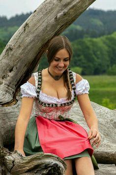 German Girls, German Women, Mode Outfits, Dance Outfits, Beauty Full Girl, Beauty Women, Octoberfest Girls, Oktoberfest Outfit, Mädchen In Bikinis