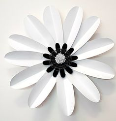 Large Simple Daisy Template Digital Download PDF file | Etsy Large Paper Flowers, Paper Flowers Wedding, Bouquet Wedding, Bow Template, Butterfly Template, Diy Paper, Paper Crafts, Paper Art, Diy Crafts