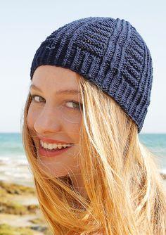 ff475934326 Baumwolle und Leinen Eine perfekte Garnmischung für den Sommer. Die Mütze  mit Längs- und