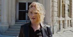 """Golden Globe für Jennifer Lawrence - Für ihre Rolle im Film """"Joy - alles außer gewöhnlich"""" ist die Schauspielerin Jennifer Lawrence mit dem Golden Globe in der Kategorie Beste Hauptdarstellerin in einer Komödie ausgezeichnet worden."""