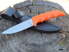 Kershaw 1028OR Antelope Hunter II, Orange. The Antelope Hunter II is a simple, yet durable hunting knife.  http://www.osograndeknives.com/catalog/fixed-blade-hunting-knives/kershaw-1028or-antelope-hunter-ii-orange-4531.html