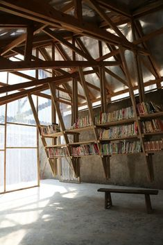 Community Library in China turns a roof into a game .- Community Library in China macht aus einem Dach einen Spielplatz – Community Library in China turns a roof into a playground – roof - Timber Architecture, Architecture Design, China Architecture, Library Architecture, Maquette Architecture, Vernacular Architecture, Community Library, Community Space, Community Housing