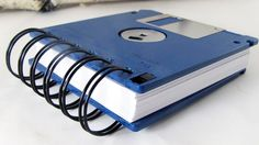 Office Must-Have: A good notebook. In this case, a Floppy Disk Notebook JUMBO Brilliant Blue Computer Disk Recycled Geek Gear Blank Mini 125 sheets. If only the lock worked as in the olden days! Cool Notebooks, Floppy Disk, Geek Gear, Writing Paper, Recycled Crafts, Recycled Materials, Crafts For Teens, Teen Crafts, Bookbinding