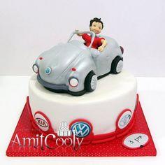 עוגה לילד שאוהב מכוניות וסמלי מכוניות