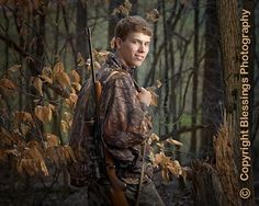 Well, the time is getting close now for 2009 Seniors! Senior Boy Poses, Senior Portrait Poses, Senior Guys, Senior Year, Portrait Ideas, Hunting Senior Photos, Farm Senior Pictures, Guy Pictures, Senior Boy Photography