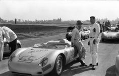 Photos and information on Roy Spencer's MotorBinder Photo Book Project on Kickstarter that includes wonderful period racing images. Porsche 911 Rsr, Porsche Cars, Vintage Racing, Vintage Cars, Sport Cars, Race Cars, Ricardo Rodriguez, Daytona 24, Vintage Porsche