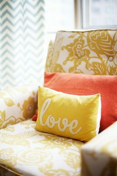 DIY Typographic Love Pillow.  The 30 Minute Pillow | Natty by Design