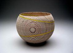 Lumi-naissance, 2006 | bouleau, incrustation d'acryl | diam 20 cm, h 15 cm | Collection, musée des pays de l'Ain Lathe Projects, Wood Turning Projects, Vases, Ain, Bowl Designs, Cup Design, Wood Bowls, Wood Carving, Wood Art