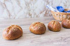 Wir backen Low Carb Brötchen mit Frischkäse! Das Brötchen-Rezept ohne Kohlenhydrate zum selber backen - ganz einfach, schnell und unheimlich lecker!