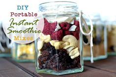 DIY Portable Instant Smoothie Mixes.  These will make a beautiful healthy homemade gift for your loved ones this year.  #homemade #gift #edible #smoothies #smoothie #Christmas.  Click the link to get the recipes: http://www.greenthickies.com/diy-portable-instant-smoothie-mixes