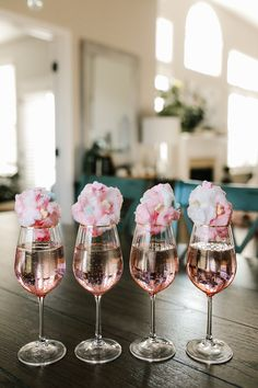 KBStyled - - KBStyled Happy Hour Valentine's Day Cocktail: Sparkling Rose with Cotton Candy Birthday Brunch, Brunch Party, Tea Party, Birthday Parties, Fancy Party, 21st Birthday Crafts, 27th Birthday, Valentinstag Party, Valentines Day Party