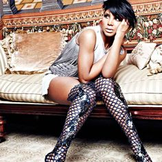 Toni Braxton, love her cut. She looks good in long or short hair. She is a beauty.