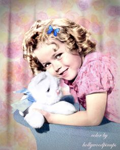 Shirley Temple cuddling plush toy (1934) #hollywoodpinups #ShirleyTemple #silverscreen #oldhollywood #hollywood #classichollywood #vintagehollywood #hollywoodglamour #goldenera #colorenhanced #colorized #hollywoodcolor #hollywoodcolorist #photorestoration #vintagecolor #GoldenAgeOfHollywood