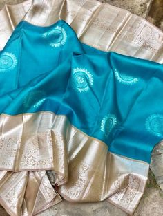 Heavenly Blue Saree with Silver ZariBorder Kuppadam Pattu Sarees, Kanjivaram Sarees Silk, Kanchipuram Saree, Latest Pattu Sarees, Indian Sarees, Cotton Saree Designs, Sari Blouse Designs, Saree Floral, Traditional Silk Saree