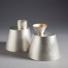 """Oil and Vinegar Pourers"" by Juliette Bigley. Small characters for the table, these oil and vinegar pourers are made from Sterling silver and Sterling Silver Gilt. Metal Bowl, Metal Art, Little Bit, Copper And Brass, Vintage Design, Metal Crafts, Design Elements, Form Design, Metal Working"