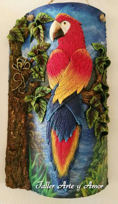Taller Arte y Amor Plaster Crafts, Tile Crafts, Clay Crafts, Clay Projects, Diy And Crafts, Arts And Crafts, Intarsia Wood Patterns, Clay Wall Art, Doodle Art Drawing