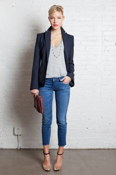 blazer, v neck tee, clutch, skinny cropped jeans, barely there heels.  thumbs up.