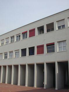 Milano_Quartiere Gallaratese Wohnkomplex Gallaratese Monte Amiata, Mailand Architekten: Carlo Aymonino und Aldo Rossi, 1969–1973