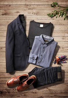 Adding a blazer to your outfit will make you more than well dressed for the family dinners during the holidays! #jackandjonesme #men #fashion