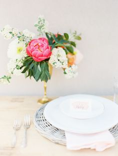 DIY Flower Dyed Ribbon and Napkins via oncewed.com