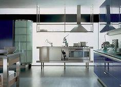 #cocinas Diseño de cocina de acero inoxidable, algunos combinados con otros materiales