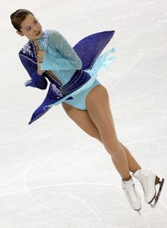 30 Best Figure Skating Outfits of All Time - ELLE