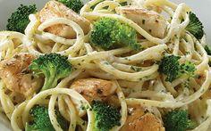 Espagueti al brócoli con pollo